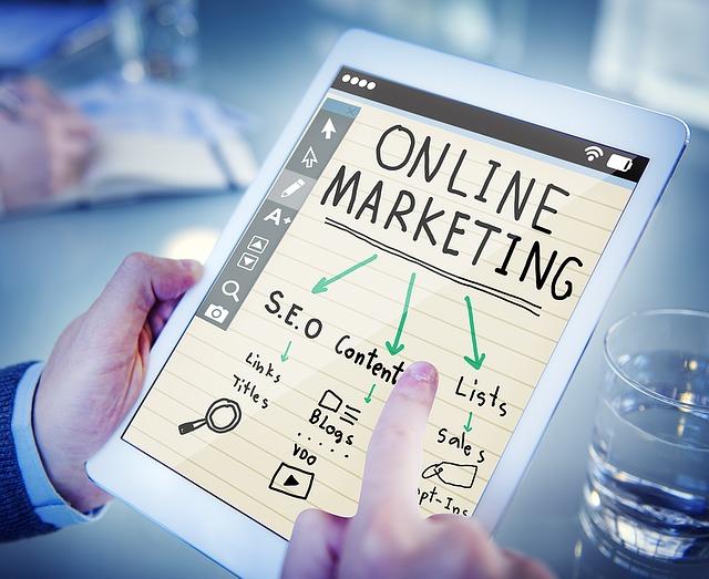 tablet s internetovým marketingem